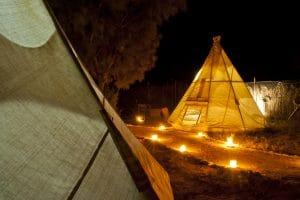 אוהלים אינדיאניים לינה במדבר