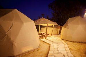 אוהלים קזחים לינה במדבר